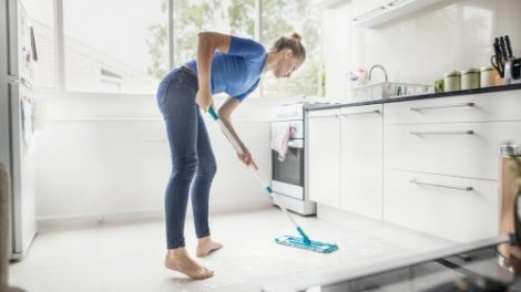 Lantai Rumah Tetap Bersih
